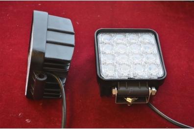 PROJECTEUR LED IP 67 - 12-24V. 48W
